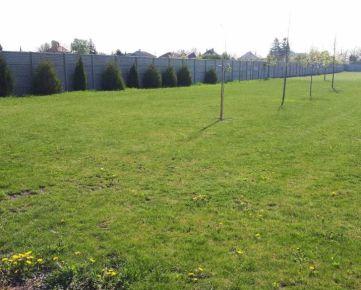 Predaj 2 staveb. pozemkov na výstavbu rod. domov vo Veľkých Dvorníkoch