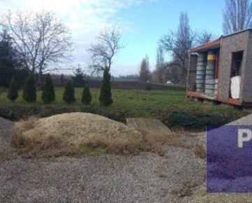 --PBS-- Stavebný pozemok vhodný buď na dom alebo aj na priemyselnú výrobu, 1600 m2, Trnava - ORAVNÉ smer Bučany