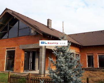NADŠTANDARDNÝ rd – VEĽKÝ POZEMOK – pred dokončením: 7 iz., Senec, 389 000.-€ - www.BLREALITY.COM