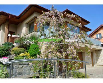 GARANT REAL - EXKLUZÍVNE predaj rodinný dom na Šidlovci, pozemok 851 m2, Prešov