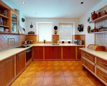VIRTUÁLNA PREHLIADKA ! Predaj veľký 4izb dom + polyfunkcia – Cífer