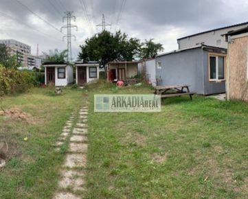 Veľmi zaujímavý stavebný pozemok 716 m2 na Galvaniho ulici