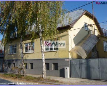REALISS - Prenájom - Kancelárske, skladové priestory so sociálnym zázemím, s parkoviskom, garážami pri hlavnom ťahu TN - Prievidza