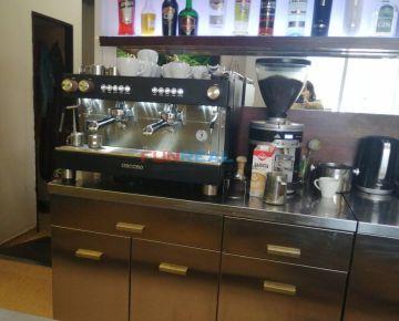 Odstúpenie zabehnutej kaviarne v centre Považskej Bystrice