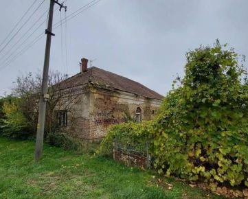 Pozemok so starým rodinným domov Nová Vieska