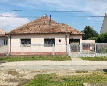 EXKLUZÍVNE! Rodinný dom v mestskej časti Hlohovca - ŠULEKOVO