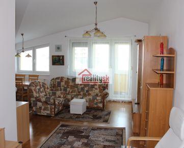 Prenajmeme veľký 4i zariadený byt, s garážovým státím, Staré Mesto - Bôrik.