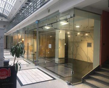 IMPEREAL - Prenájom - obchodný priestor 50 m2 , Laurinska ul., Bratislava 1