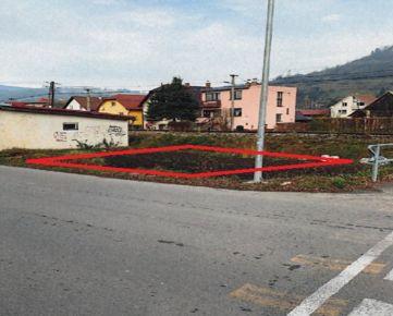 Predaj 3 susediacich pozemkov vhodných na výstavbu garáží v obci Nižná