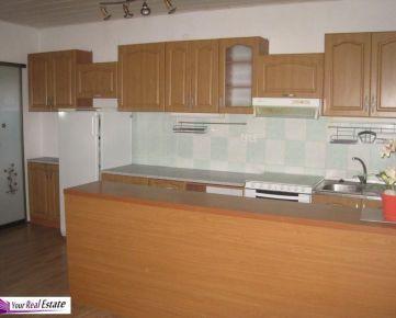 Predáme 3 izbový byt ( 120m2) vo Svätom Jure v samostatnom RD.