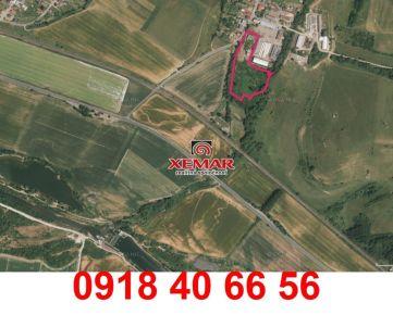 Na prenájom rozľahlý pozemok neďaleko Liptovského Mikuláša.