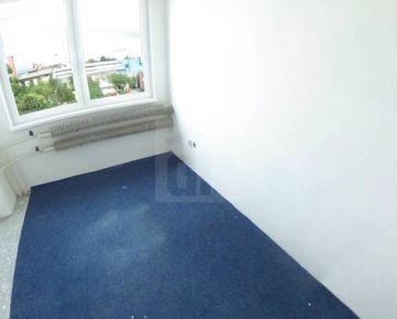 Direct Real - 2x kancelária vo veľkosti 11 m2. Vzájomne prepojené. Možnosť prenajatia aj samostatne.