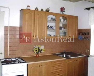 Predaj: Rodinný dom, 2-izbový, 289 m2, Badín