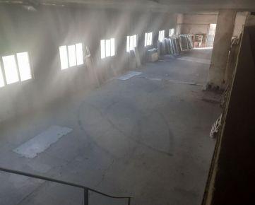 Predaj  opravárenského objektu 900 m2 vo Vajnoroch