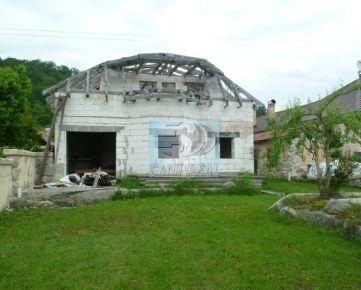Rozostavaný rodinný dom v Budči pri Zvolene