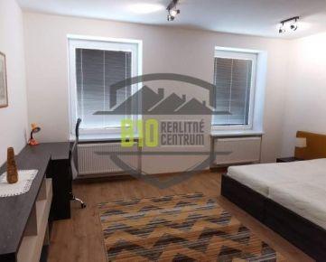 Exkluzívne prerobený 2 izbový byt -76m2 - CENTRUM  MESTA - Možnosť Videoobhliadky