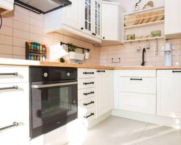 Krásny, slnečbý 3 izb. byt, výborná dispozácia s novou klimatizáciou