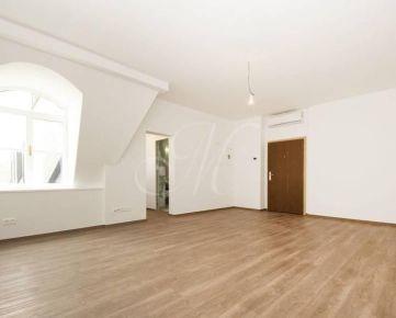 Nadštandardný 1i byt v centre Starého Mesta na predaj