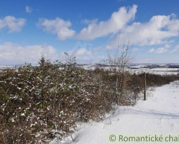 Prírodný 39 árový pozemok v blízkosti rodinných domov obci Častá 30 km od Bratislavy
