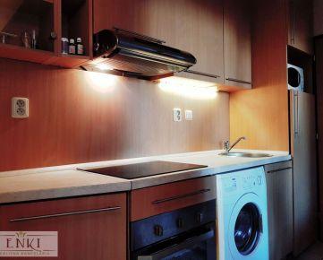 SVETLÝ A SLNEČNÝ zrekonštruovaný byt s KLIMATIZÁCIOU vo výbornej lokalite !
