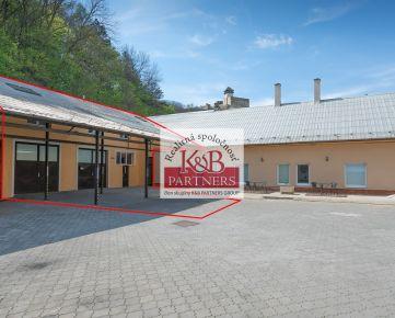 Ponúkame Vám na predaj objekt vhodný na podnikanie, ako aj bývanie na ulici M. R. Štefánika v Trenčíne!