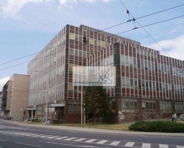 Administratívna budova v Banskej Bystrici