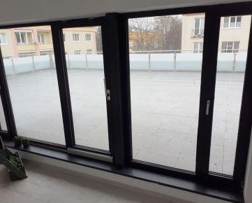 CENTRUM - NOVOSTAVBA 3 izb. bytu s TERASOU 99 m2