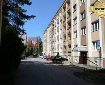 KÚPA: pôvodný 2-izbový byt s balkónom, Bulvár - ulica Čajakova, ZA