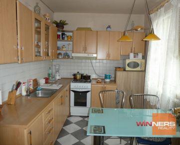 Ponúkame na predaj 3 izbový byt s krásnym výhľadom na mesto Lučenec