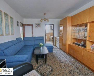 Priestranný 4 izbový byt po čiastočnej rekonštrukcii s výhľadom na Karpaty