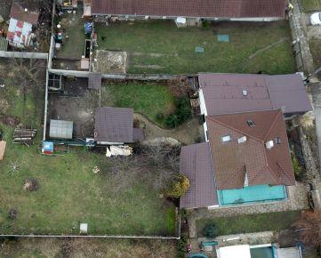 SENICA/Jablonica / Ul. Bernolákova/Na predaj 6 izbový rodinný dom, 547 m2 pozemok