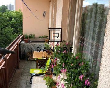 Predaj 3-izbový byt v Bratislave -Dúbravke na Bazovského ulici.