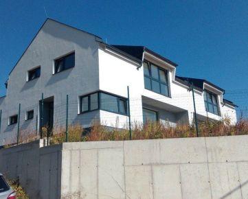 Moderné skolaudované rodinné domy - Myslava