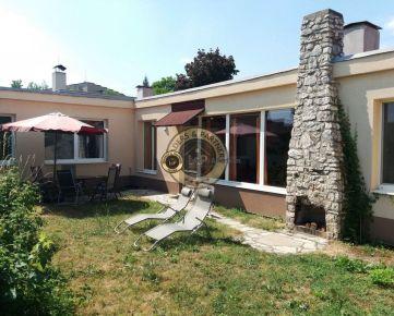 REZERVOVANÉ Na predaj unikátny átriový rodinný dom, Košice-Sever
