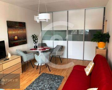 REZERVOVANÝ !!!   1-izbový byt s balkónom po kompletnej rekonštrukcii