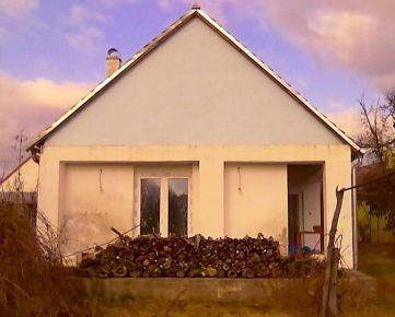 JAKUBOV - okr. Malacky - predaj rodinného domu - pozemok 2 637 m2