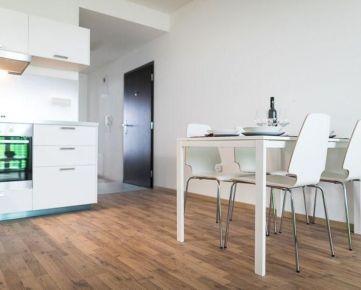 Na prenájom 2-izbový zariadený byt v novostavbe s parkovacím miestom