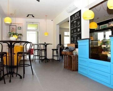Kaviareň s vlastným detským ihriskom v Rači
