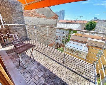 TOP PONUKA: Exkluzívne ponúkame na predaj skutočne výnimočný 3 izbový mezanínový byt v centre mesta na Grosslingovej ulici s úžasnými výhľadmi.