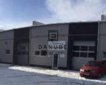 Predaj budovy autoservisu (alternatívne: výrobné alebo skladové priestory) s parkovacou plochou v Bratislave-Dúbravke na Drobného ulici.