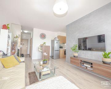Predáme štýlový 2 izbový byt s BAZENOM kompletne klimatizovaný v Novostavbe Melrose na Betliarskej ulici v Bratislavskej mestskej časti Petržalka