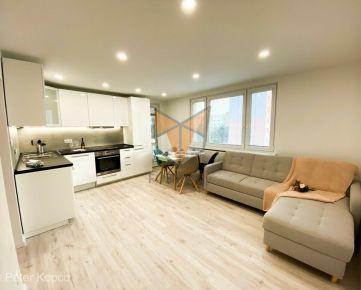 FOX - EXKLUZÍVNE * 4 izbový byt * Vl. Clementisa * kompletná rekonštrukcia * výborná lokalita