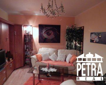REZERVÁCIA :  pekný svetlý 2 izbový byt v centre mesta Banská Bystrica po rekonštrukcii