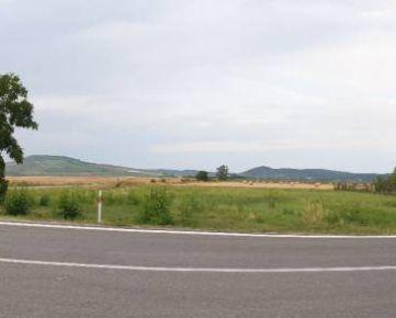 Pozemok 4042 m², Slovenské Nové Mesto, pre občiansku vybavenosť, 42. 000€