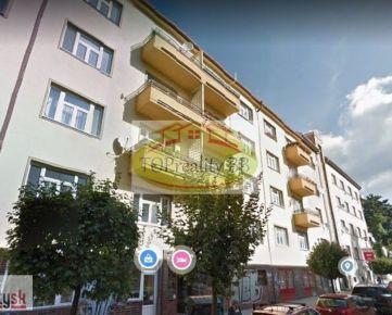 Veľký tehlový  2 izbový byt 60 m2,  Banská  Bystrica, centrum – cena 144 000 €