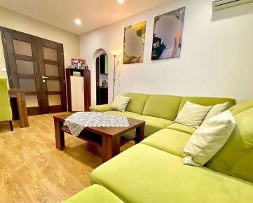 Nádherný, kompletne zrekonštruovaný 4izbový byt vo vyhľadávanej lokalite na začiatku Petržalky na Černyševského ulici na predaj