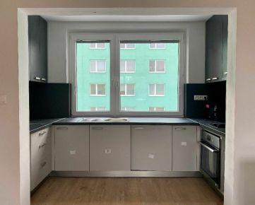 2-izbový byt s lódžiami v dobrej lokalite na prenájom