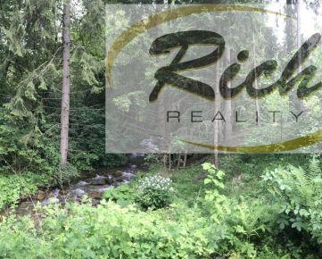Ponúkame na predaj les pri Fiľakove o výmere 65 ha.