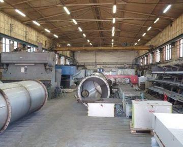 Prenájom výrobnej haly  1491 m2  skladové a kancelárske priestory  Dubnica nad Váhom