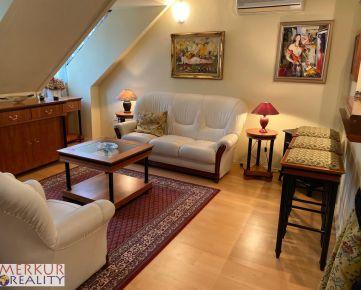 Predáme štýlový 3 izbový mezonet v srdci Starého mesta pod Michalskou bránou, 97 m2, 3/4 poschodie v zrekonštruovanom dome